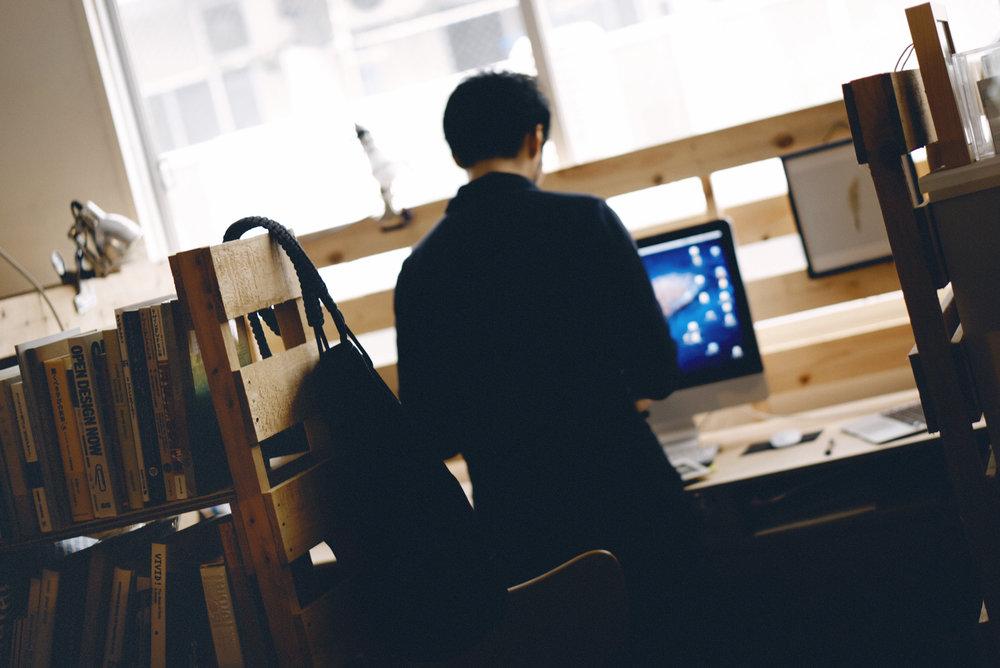 SHARE OFFICE - 業種を問わないクリエイターが集まる、シェアオフィススペースです。型にはまらない開放的なシェアオフィスで、新たなクリエイションを。