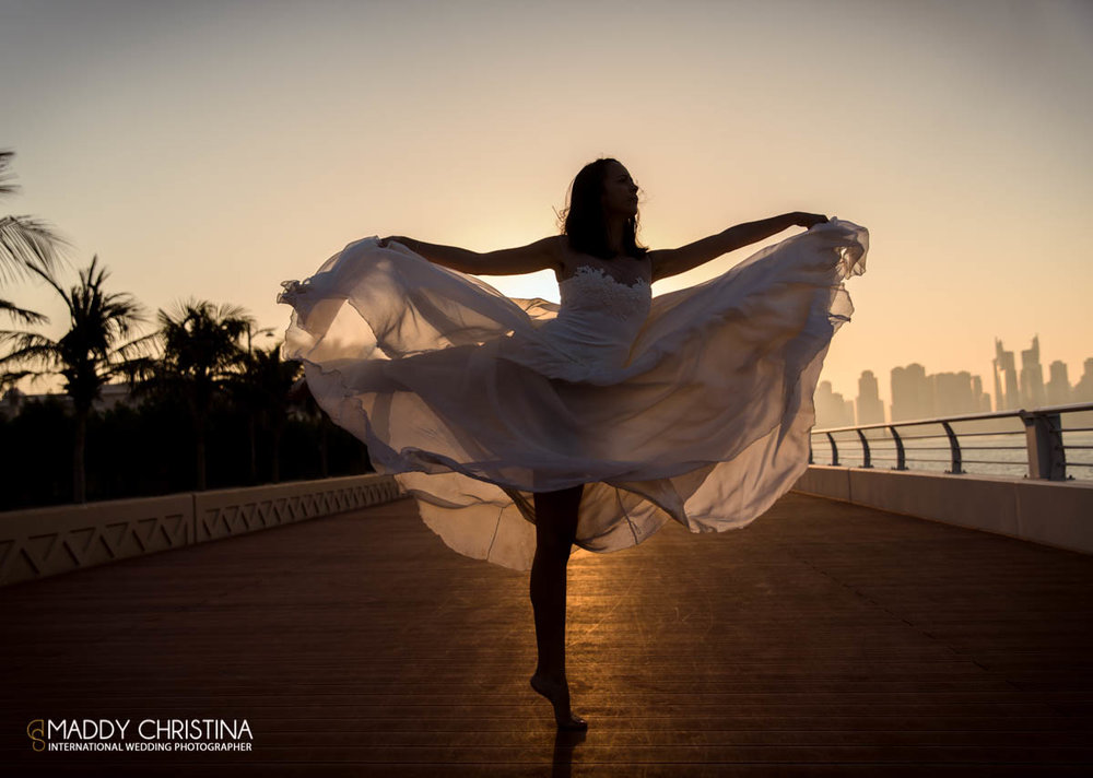 wedding mariage marriage dubai dubaï desert photograph photographer bride shoot the palm dance danse danseuse dancer