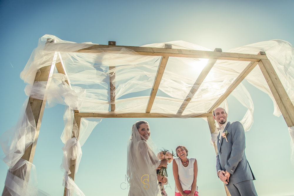 outside wedding portugal photographer