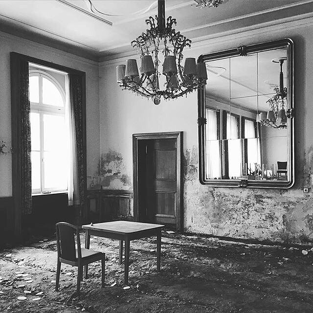 Abandoned sleeping beauty. About to wake up. One day soon. // photo of Badeschloss by @hannah_bichay #abandonedbadgastein #visitbadgastein #madeforthefuture