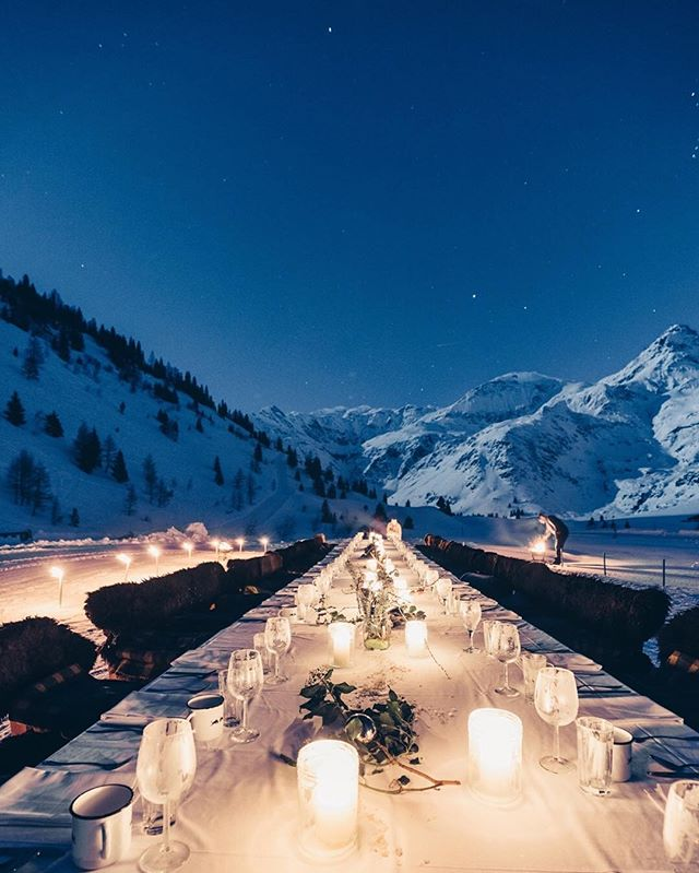WIN WIN: So, you know, we LOVE connecting and collaborating with kindred spirits. Which is why we partnered up with our friends over at @discoveraustria to host a rad and rrromantic give-away to celebrate this winter's 3rd and last #fullmoondinner next week April 18th, 2019! Head over to @discoveraustria n o w, follow them (and us) to enter the Full Moon Dinner give-away featuring 2 tickets for the full moon dinner next week Thursday April 18th incl. 1 night stay. Good luck, everyone! And yes, we still have just a f e w tickets left at this point, so if you'd like to buy tickets, DM, email nadin@studio5640.com or contact the wunderbare crew at our Bad Gastein tourism office. // photo by @hannah_bichay #visitbadgastein #discoveraustria #dreamersanddoersofbadgastein