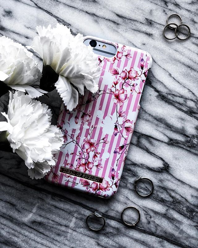"I remember when there was a time that I actually hated the colour pink with a passion but now I actually love the colour. Just shows that you can grow to love something with time. PS: How cute is this case from @idealofsweden ? You can use code "" KINGAXIDEAL "" for 20% off your purchase! Happy shopping lovelies! 😘"