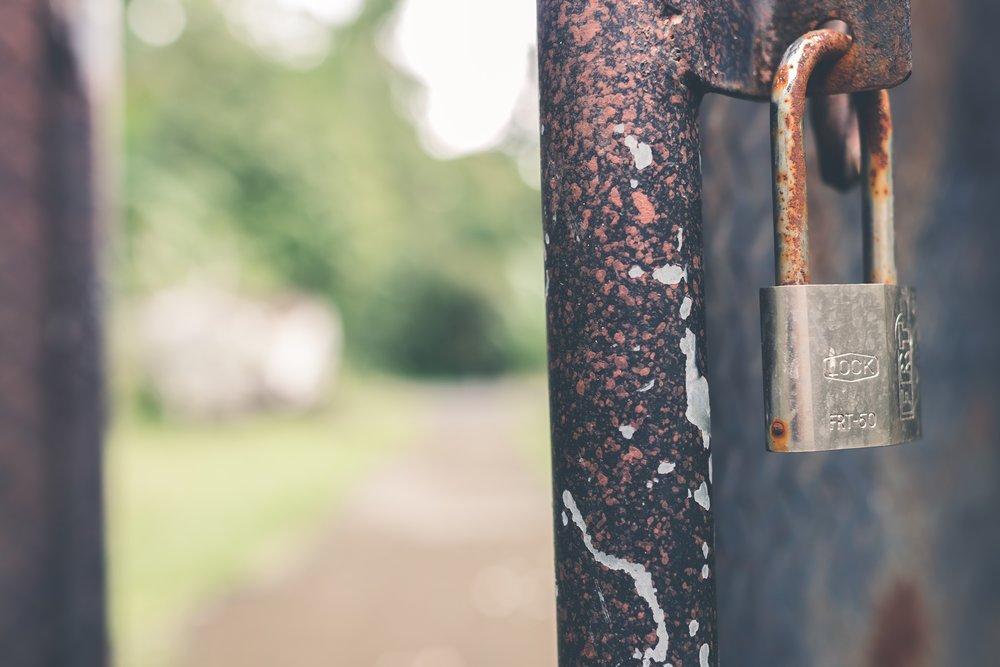 access-blur-blurred-background-912005.jpg