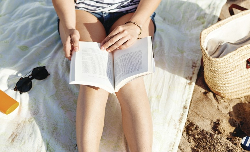 Five-Must-Read-Beach-Books-Femme-Fortune.jpg