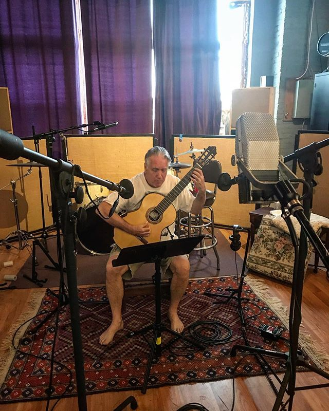 Ben Verdery channeling the music of Villa Lobos. #classicalmusic #guitar #classicalguitar #recording. @ribbonmics @benverdery