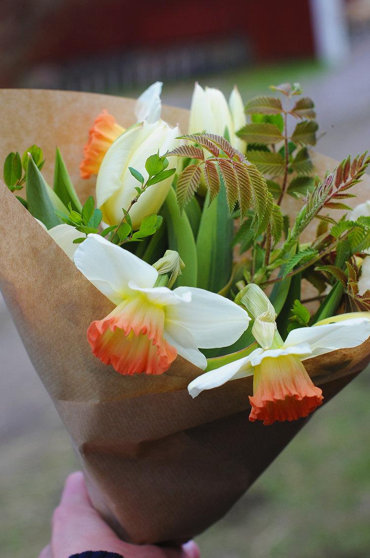 (Snart) kommer även buketter med snittblommor från vår odling finnas i butiken