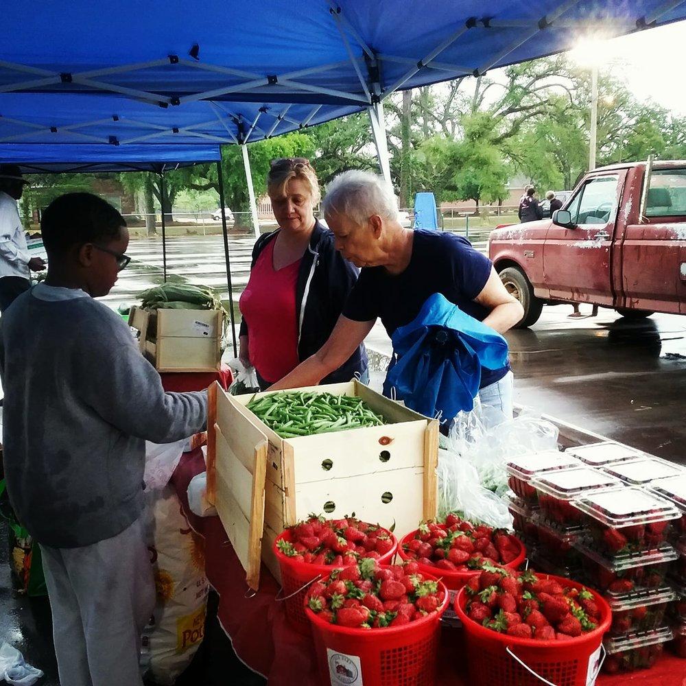 Mobile Farmers Market 2.jpg