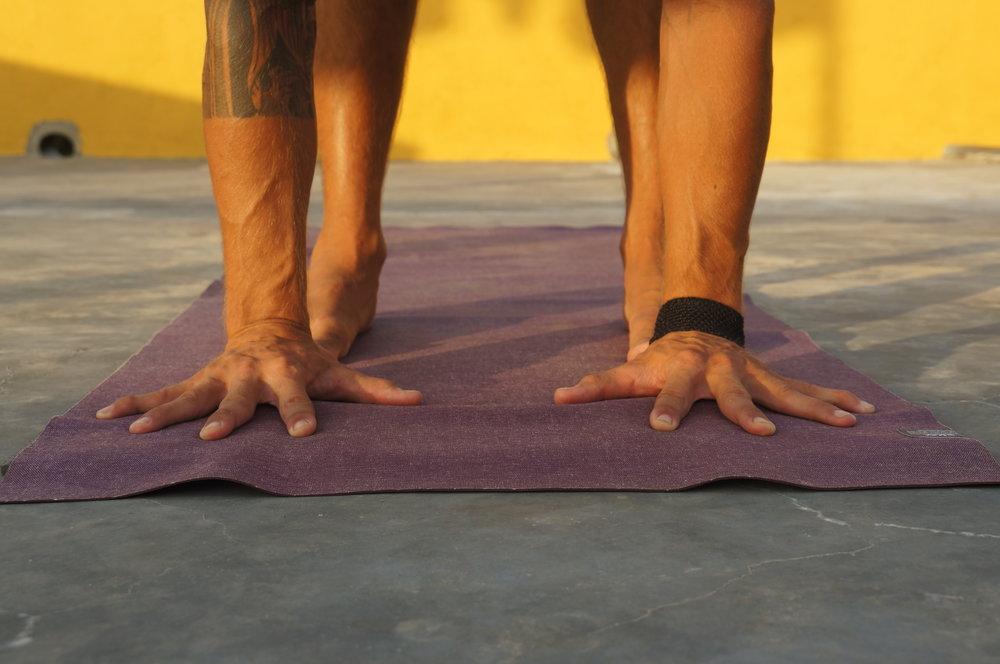 Handplacement handstand inspiro yoga.JPG