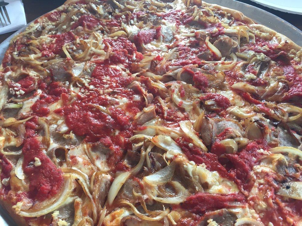 Primo Pizza_KMartinelli Blog_Writer & Marketer.JPG