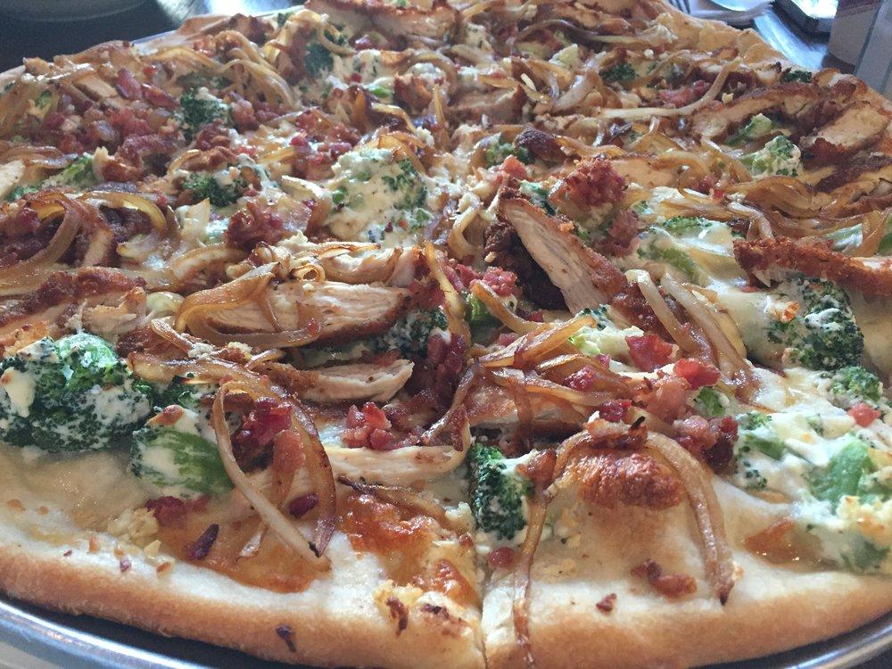 Primo Pizza_Closeup_KMartinelli Blog_Writer & Marketer.JPG