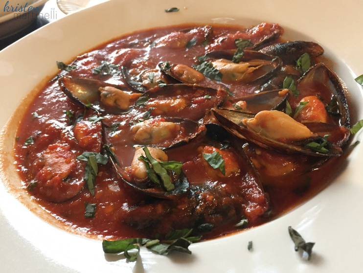 Primo Pizza_Sweet Mussels_KMartinelli Blog_Writer & Marketer