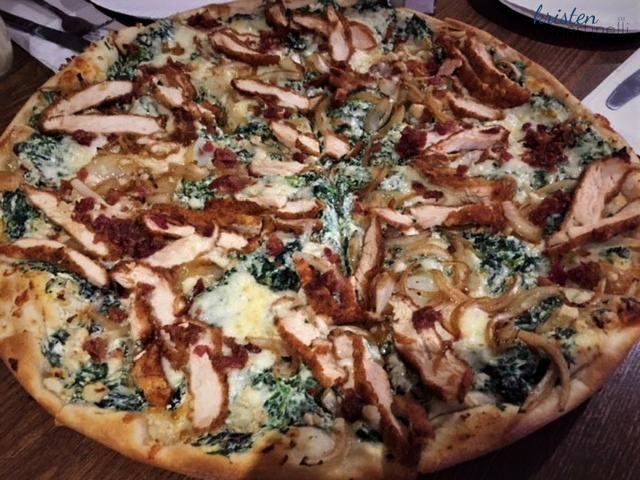 Primo Pizza_White Pizza_KMartinelli Blog_Writer & Markter