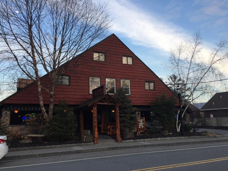 Kristen Martinelli Blog_KMartinelli_Writer & Marketer_Lakeside Lodge & Grill_Lake George NY.png