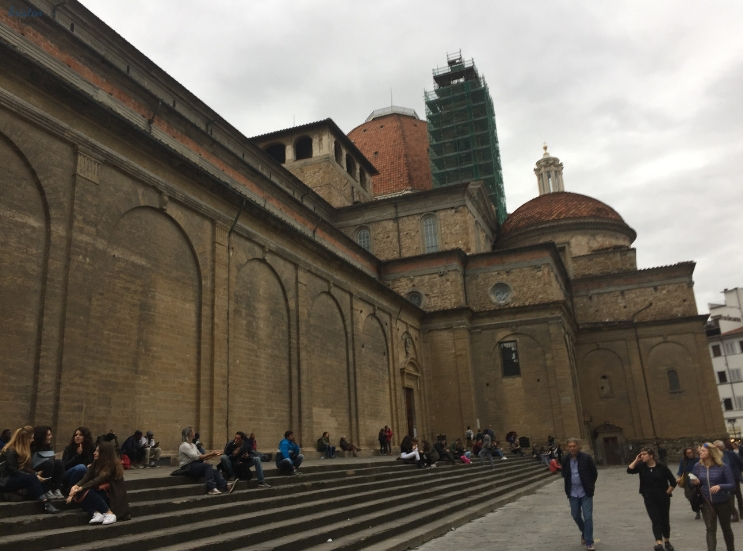 Piazza di San Lorenzo, Florence Italy _ The Foodie Journey to Florence Italy _ K. Martinelli Blog _ Kristen Martinelli.jpg