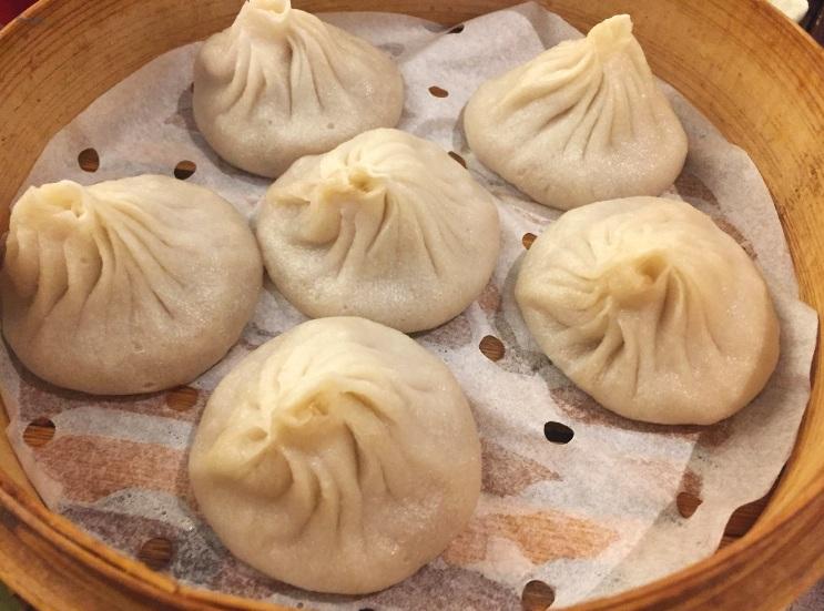 Real+Kung+Fu+Little+Steamed+Buns+Ramen_New+York+City_+Soup+Dumpling+Appetizer_+K.+Martinelli+Blog_Kristen+Martinelli.jpg