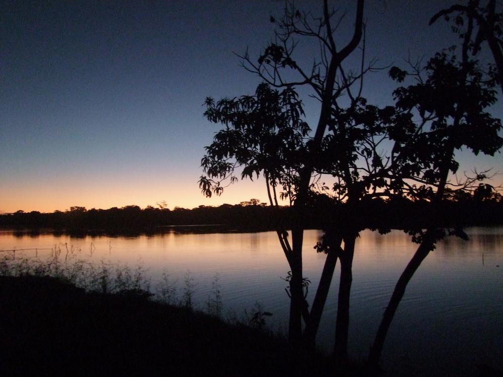 Lago Lagunas Atardecer -- Sunset in Lago Lagunas