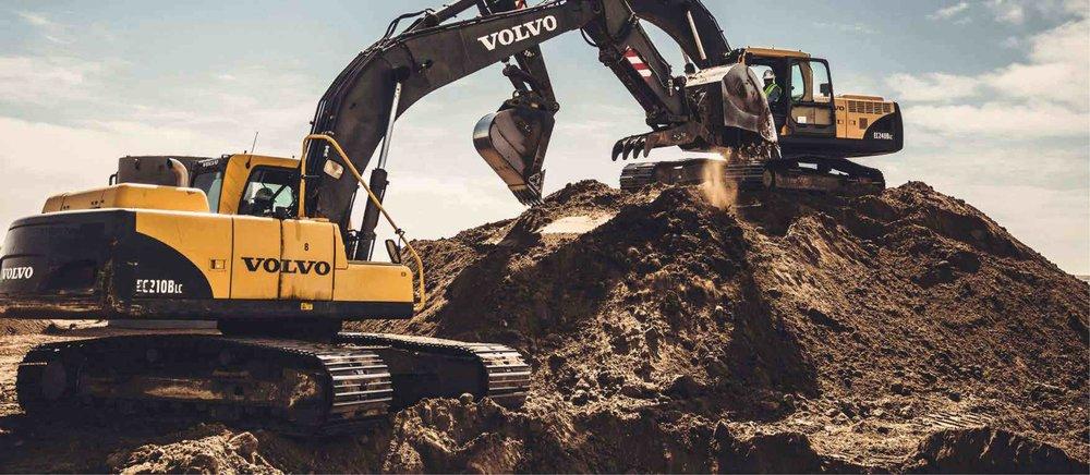 new_construction_excavator-02.jpg