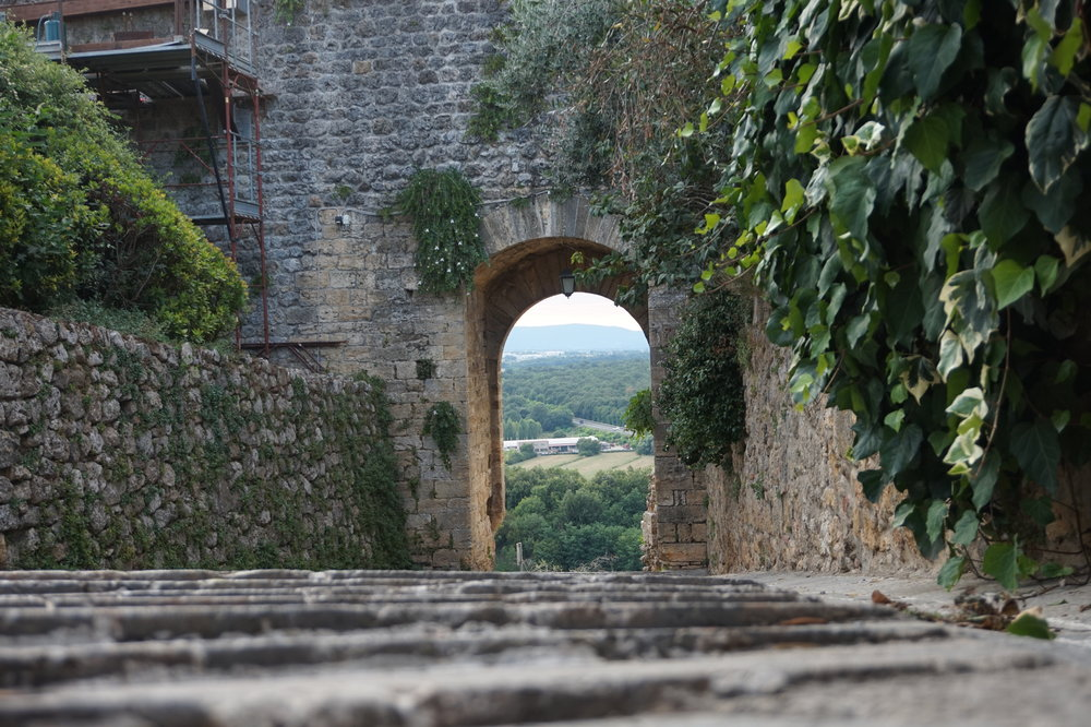 Active Escapes in Tuscany