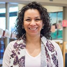 Olga Martínez-Alvarez   Olga es una defensora de la familia del Centro de Desarrollo Infantil de OSU.