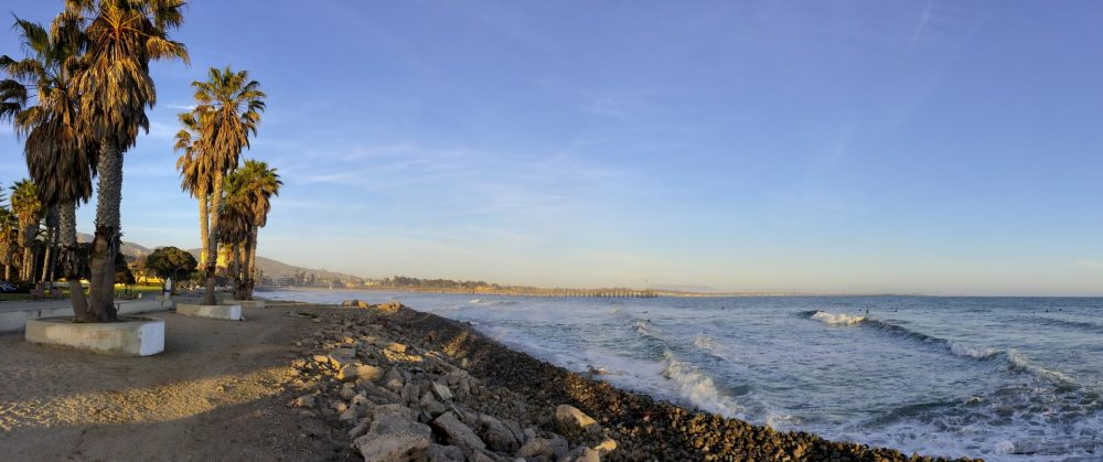 bigs-Ventura-Pier-from-promenade-near-surfers-point-north-of-the-waterfront-wooden-pier-ca-Large-1000x419.jpg