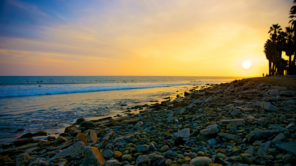 bigs-Orange-Rocks-on-Sunset-Surfers-Point-Beach-Ventura-CA-92631362-Large-1000x563.jpg