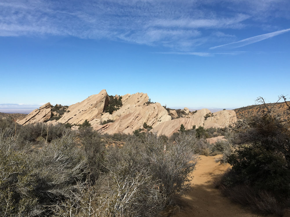PEAK: Devil's Chair - DIFFICULTY: 3/5SCENERY: ROCKS!! Sandstone, twisted geology, views of the San Gabriels, Holomb CanyonFUN FACT: The Devil's Punchbowl is a sedimentary sandstone formation that has been tilted up by mountain growth.