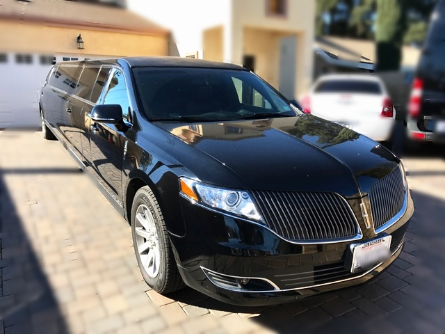 Luxury Limo Service - Our Lincoln MKZ is one of the best limousines in our fleet. Our clients enjoy a spacious 14 passenger limousine with all the amenities you would expect from a premium limousine. Get pricing and information by inquiring online.