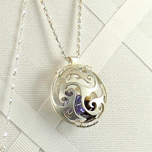 swirly-locket2.jpg