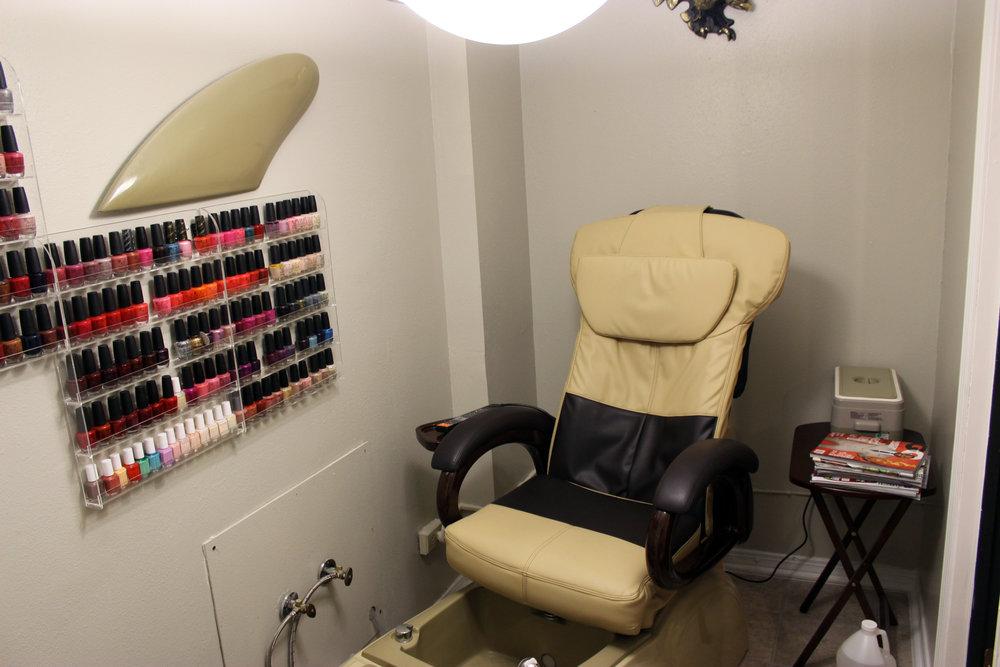pedicure room.jpg