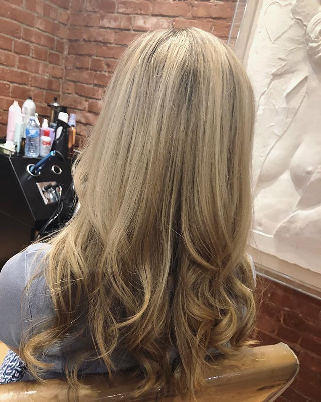 Beige blonde by Sara @sdalbey1