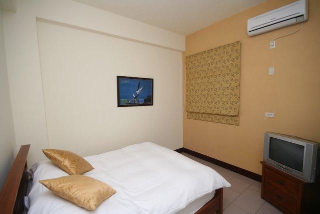 Room 303-4.JPG