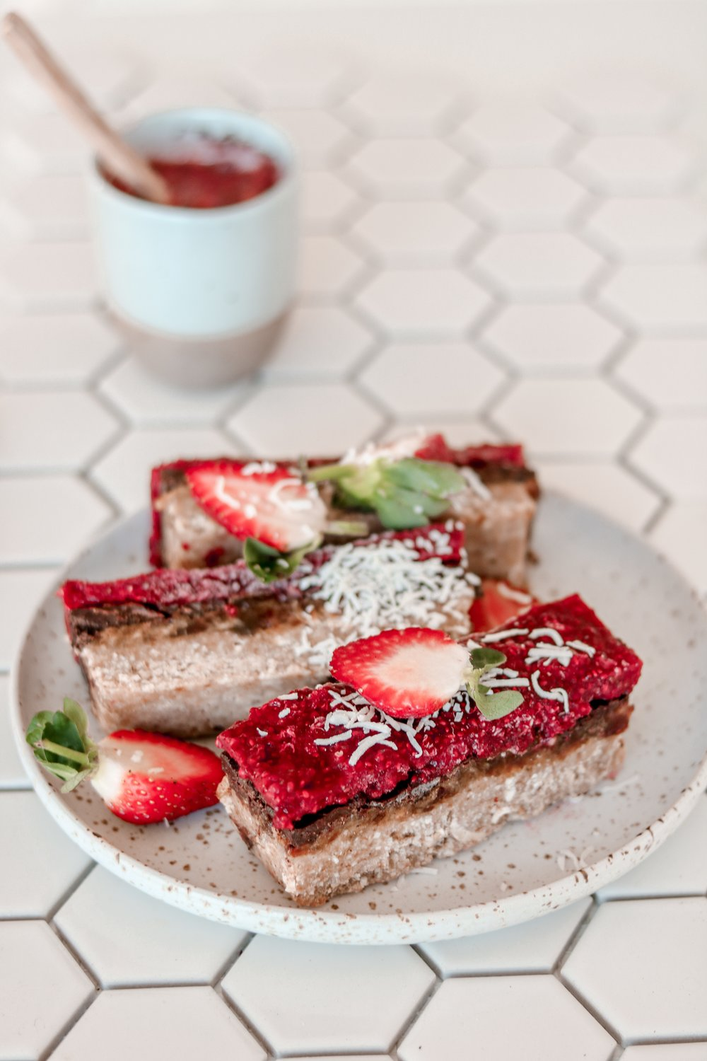 Raw chia berry caramel slice -