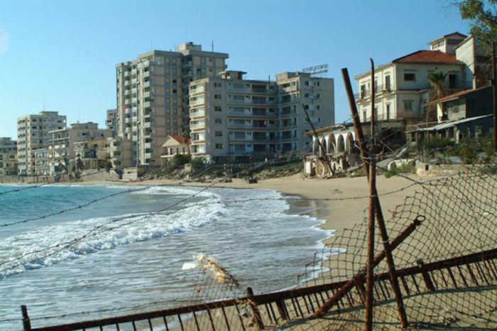 5 Beach3 700x.jpg