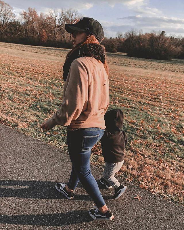 Golden hour walks with my golden boys 🖤 . . . . #wife #marriedlife #wellness #healthyliving #essentialoils #dogmom #momstyle #boymom #oils #wholefood #crueltyfree #plantbased #toxinfree #naturalliving #vegetarian #oilmom #thesoulofnicole #momlife #momsohard #dogsofinstagram #dogmama #doodlesofinstagram #crunchymama #boymama #dogsofinstagram #easyrecipes #leftoverrecipes #leftovers #momhack #walkersadventures