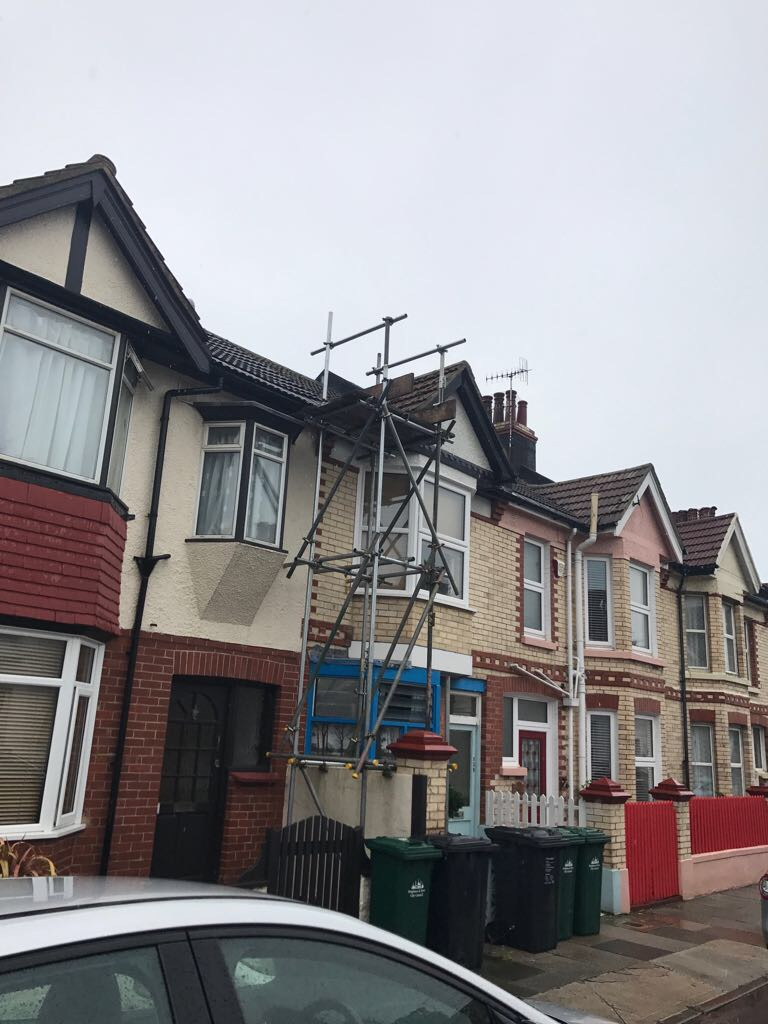 Scaffold erection for valley repair