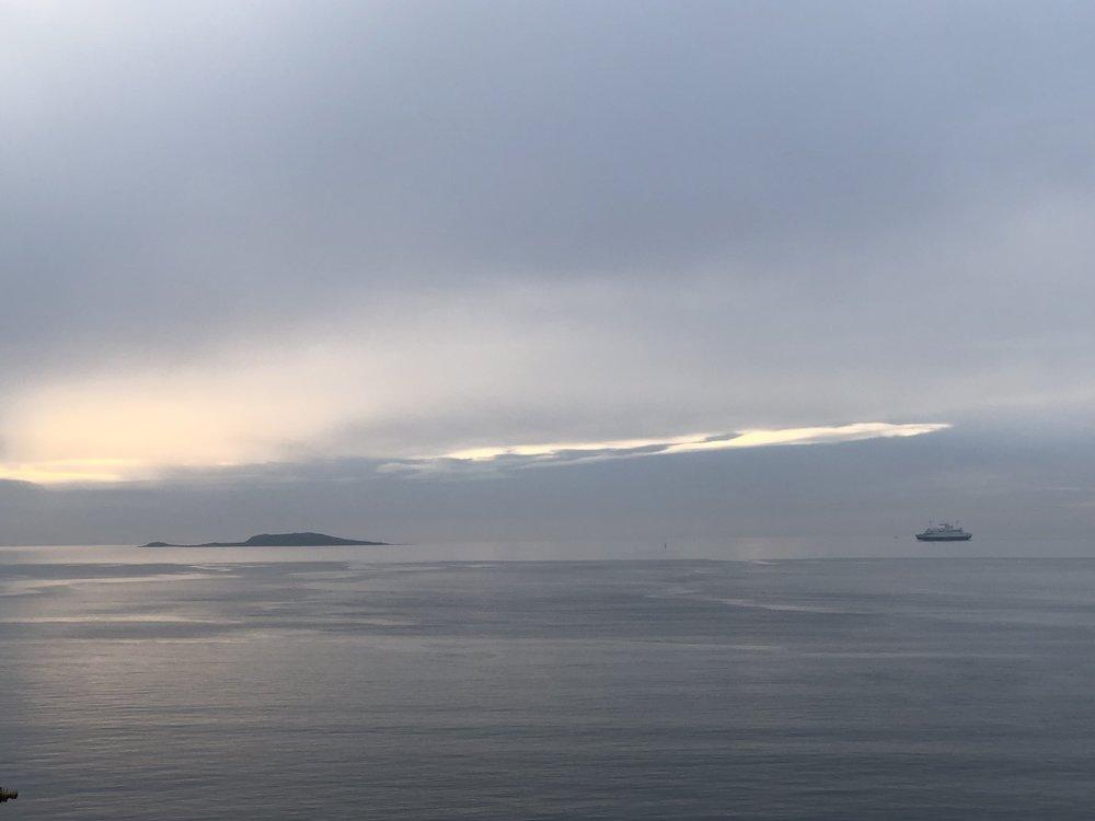 Mot ytre Oslofjord på en av årets siste dager