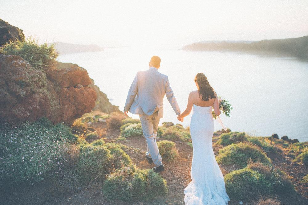 elopement-wedding-photographer-santorini-Sara&Stefan-101.jpg