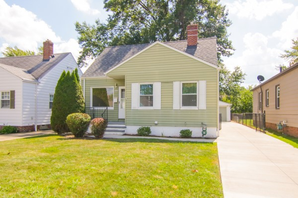 1207 Clearview Ave., Parma  3 bed 2 bath | 1,253 Sq. Ft. $124,000
