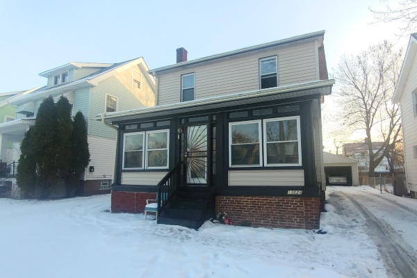 13624 S Parkway Dr., Garfield Hts.   3 bed 2 bath   1,283 Sq. Ft.  $34,000