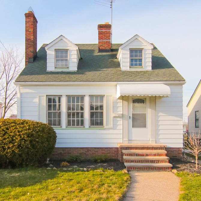 2822 Lincoln Ave., Parma  3 bed 1 bath   1,170 Sq. Ft.   $89,000