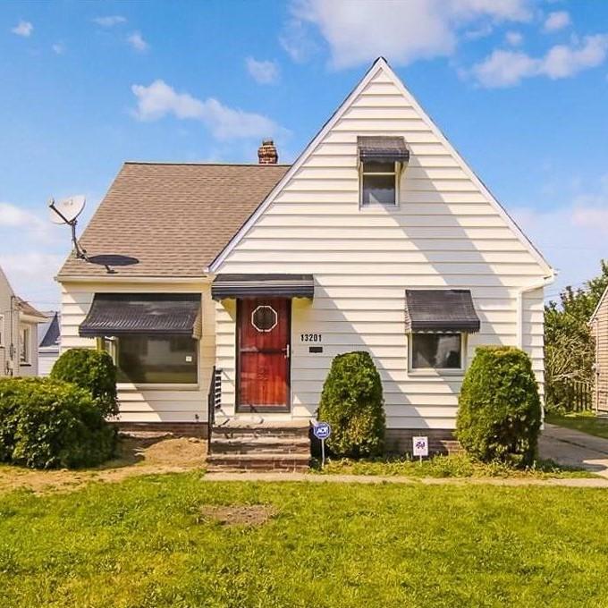 13201 Oakview Blvd., Garfield Hts.  3 bed 1 bath | 1,076 Sq. Ft. | $59,900