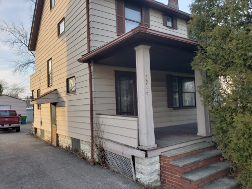 5216 Clement Ave, Maple Hts  3 bed 1 bath | 1,274 sqft | $18,000
