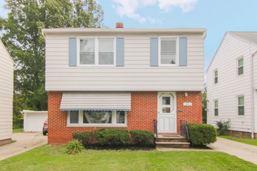 1321 Avondale Rd, S Euclid  3 bed 2 bath | 1,446 sqft | $100,000