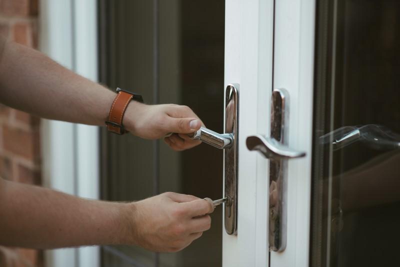 new-homeowners-checklist-change-locks.jpg