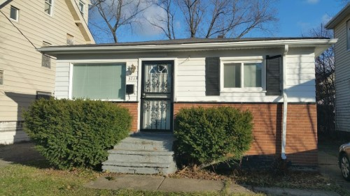 3713 E 144th St, Cleveland  3 bed 1 bath | 960 sqft | $15,000