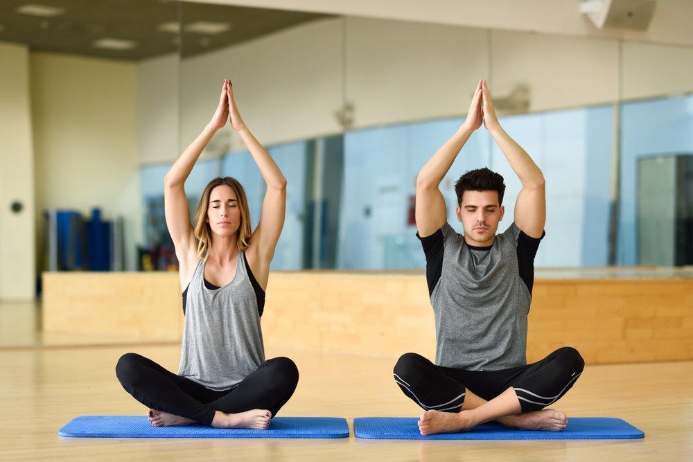 Les positions pour la méditation du yoga au Centre Thiêu Lâm.