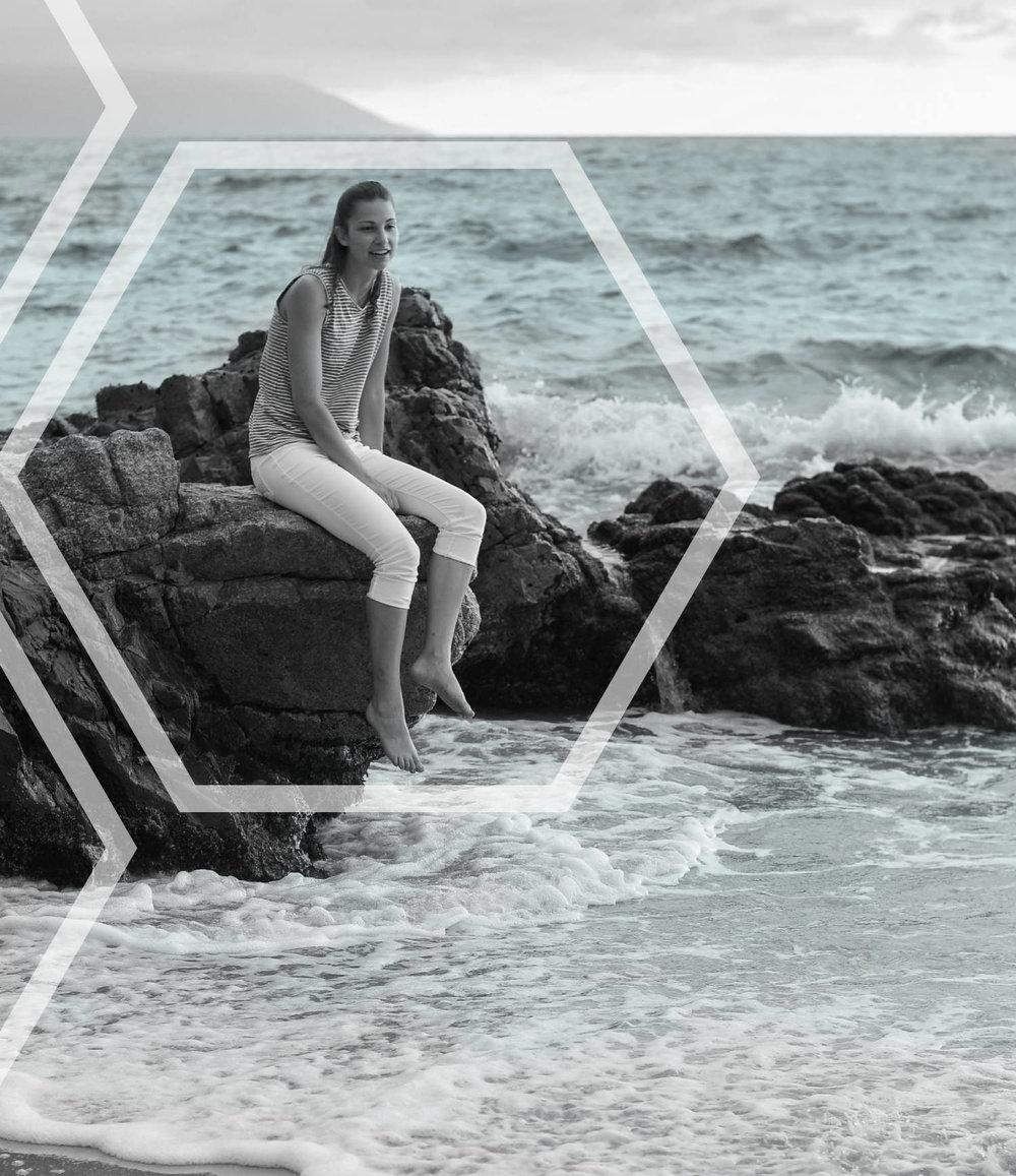 moessence-digital-design-branding-and-website-design-branding-website-squarespace-logos-monica-orto-beach-hexagon.jpg