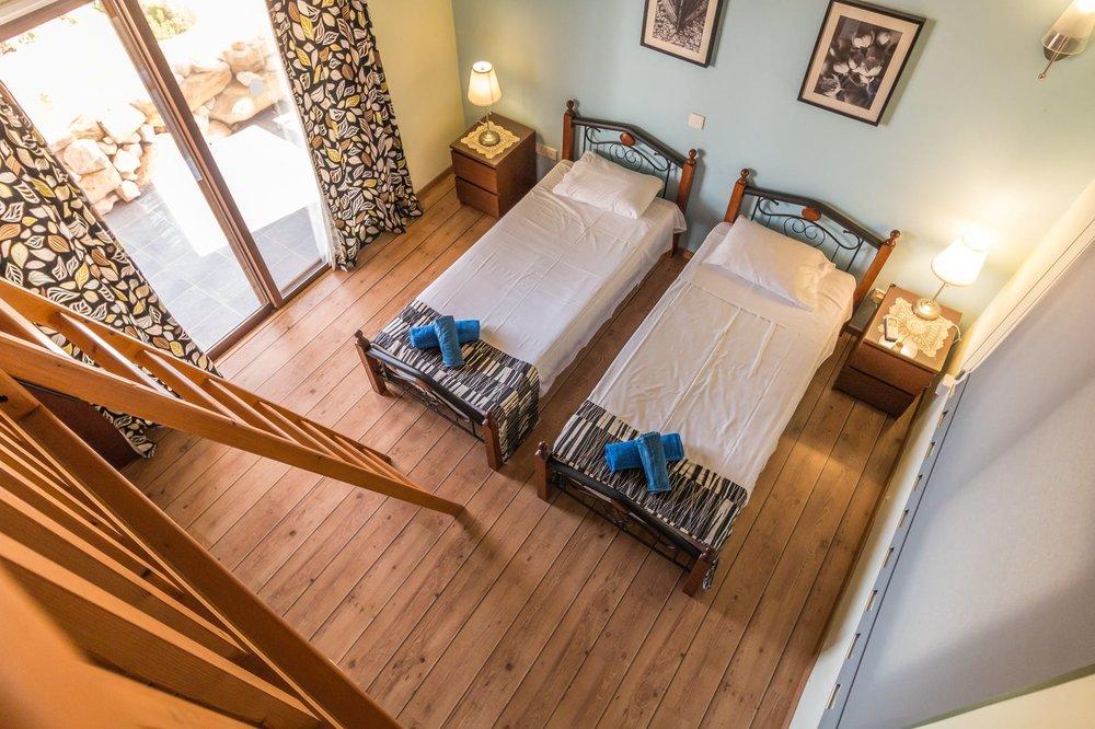 twin beds.jpeg