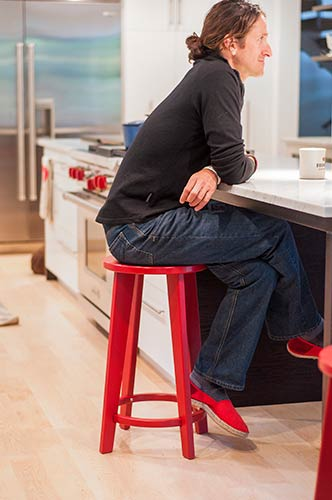 norm_dining_counter_stool_1582.jpg