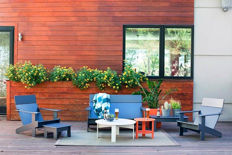 lollygagger_lounge_sofa_chair_cocktail_table_1B.jpg